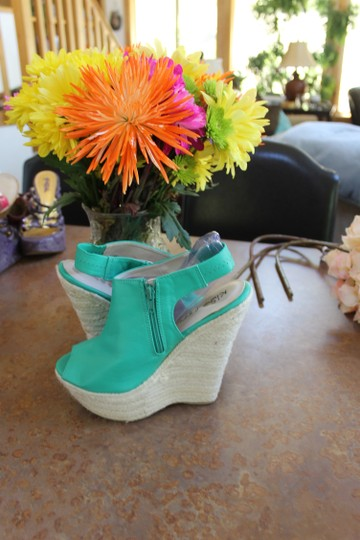 Kiss & Tell bright kelly green Wedges Image 4