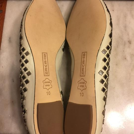 Steve Madden Putty (very light grayish-beige)/ Silver Flats Image 9