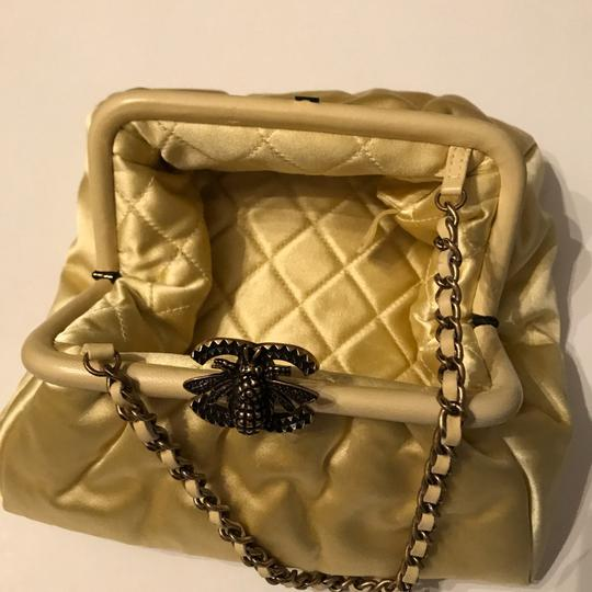Chanel Bee Soft Cc yellow Clutch Image 10