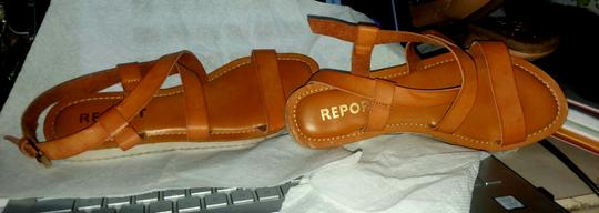REPORT Leather Rubber Sole Tan Sandals Image 2