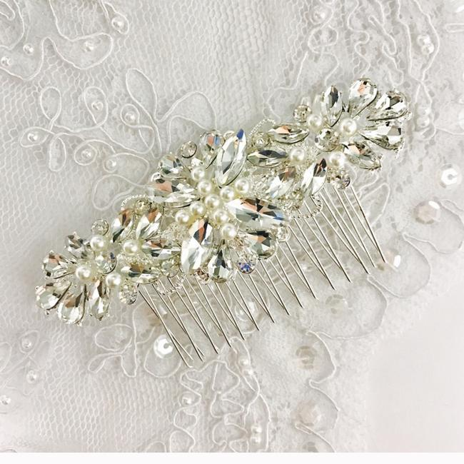 Clear Ivory Hair Accessory Clear Ivory Hair Accessory Image 1