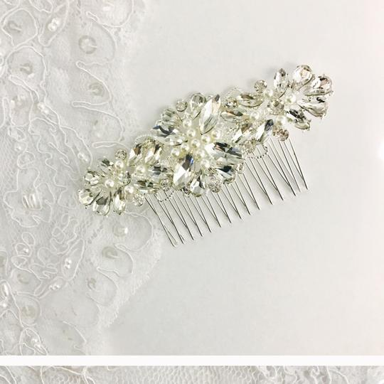 Clear Ivory Hair Accessory Image 1