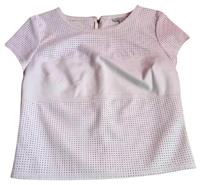 Preload https://img-static.tradesy.com/item/21820534/guess-beige-perforated-night-out-top-size-4-s-0-1-650-650.jpg