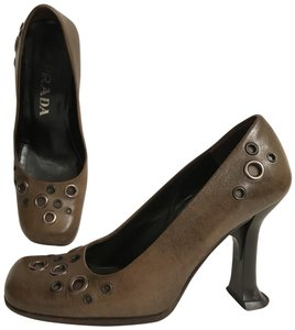 Prada Leather Vintage Designer 70's Studded Green Black Pumps