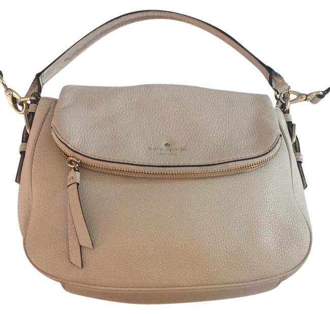 Item - Cobble Hill Small Devin Beige Leather Cross Body Bag