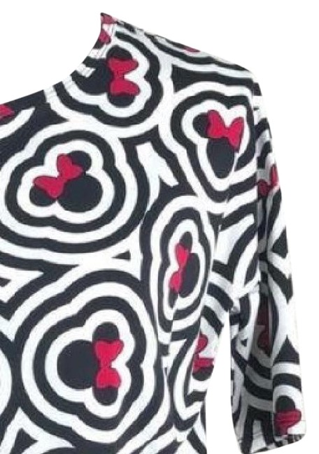 Preload https://img-static.tradesy.com/item/21821788/lularoe-rare-b-and-w-minnie-mouse-irma-tunic-size-6-s-0-1-650-650.jpg
