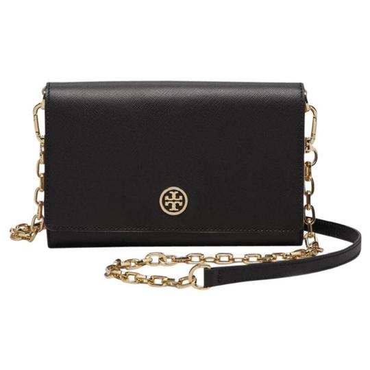 Preload https://img-static.tradesy.com/item/21821881/tory-burch-robinson-wallet-with-chain-cross-body-bag-0-0-540-540.jpg