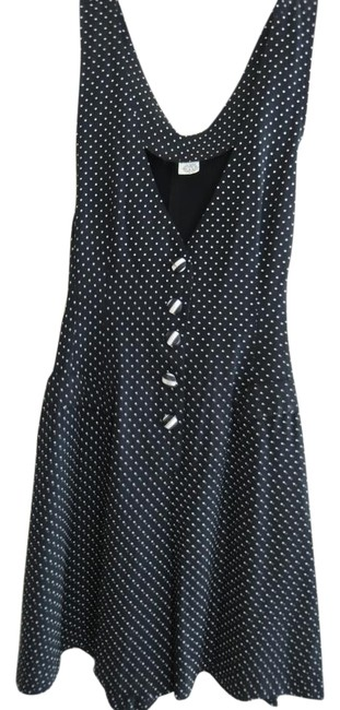 Preload https://img-static.tradesy.com/item/21822064/tiny-white-dots-on-black-ladies-skort-jumper-size-9-tie-cullotte-value-romperjumpsuit-0-1-650-650.jpg