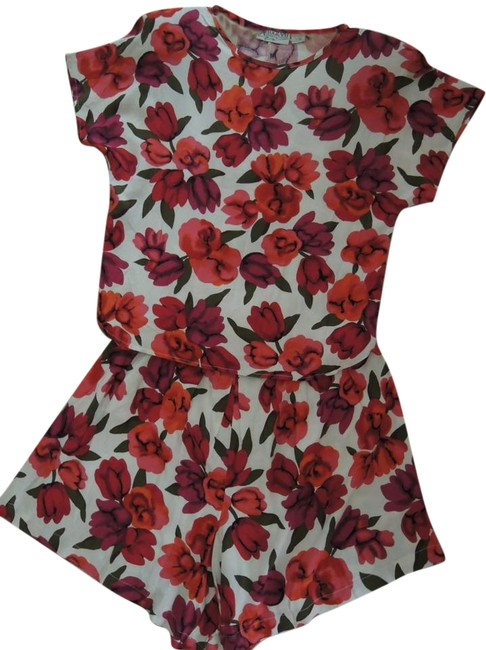 Item - Multi-color Ladies Blouse and Culotte Skirt Flowers On White Valu Short Casual Dress Size 10 (M)