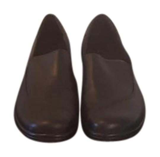 Preload https://img-static.tradesy.com/item/21822539/clarks-black-leather-flats-size-us-9-regular-m-b-0-1-540-540.jpg