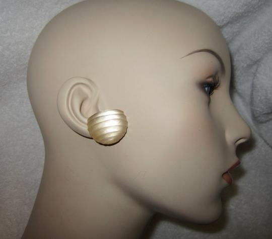 Alexis Bittar Hand Carved Signed Lucite Clip Earrings Image 3