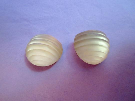 Alexis Bittar Hand Carved Signed Lucite Clip Earrings Image 5