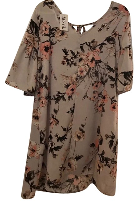 Item - Bell Sleeve Mid-length Short Casual Dress Size 12 (L)