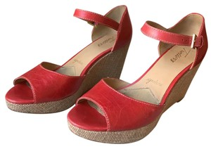 Trotters Red Wedges