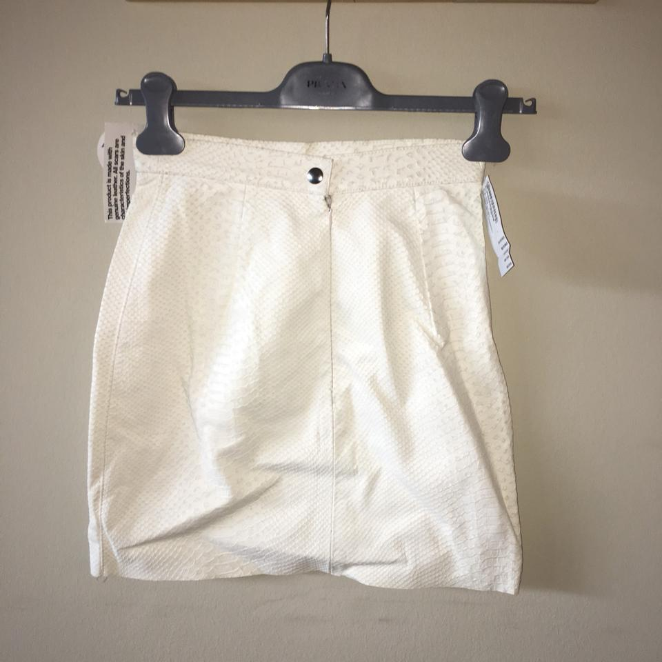 3e7c88d27d American Apparel White Snakeskin Genuine Leather Skirt Size 0 (XS, 25) -  Tradesy