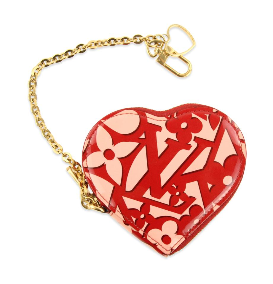 a38aeb5e9ebc Louis Vuitton Red Limited Edition Patent Sweetheart Heart Zip Coin ...