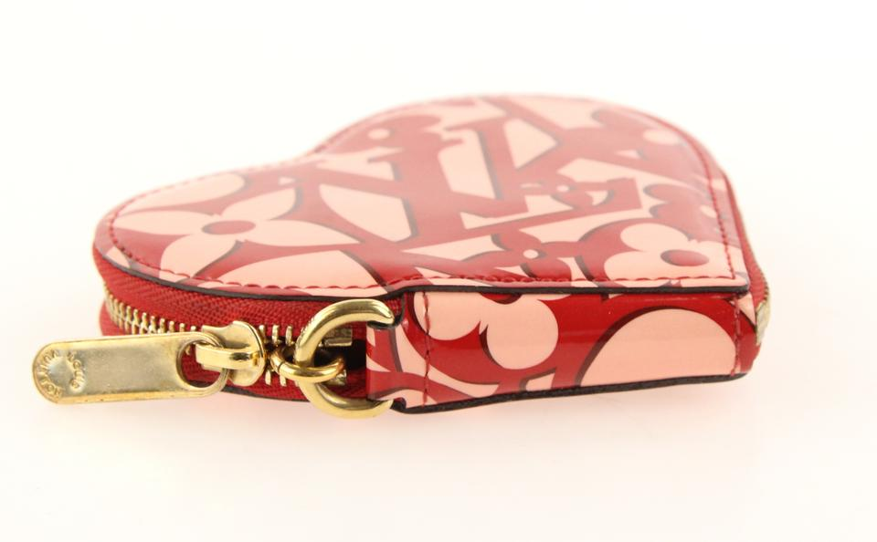 bc2e502f0b11 Louis Vuitton Red Limited Edition Patent Sweetheart Heart Zip Coin Wallet -  Tradesy