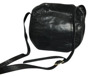 Barbara Bolan Vintage Retro Leather Italian Cross Body Bag