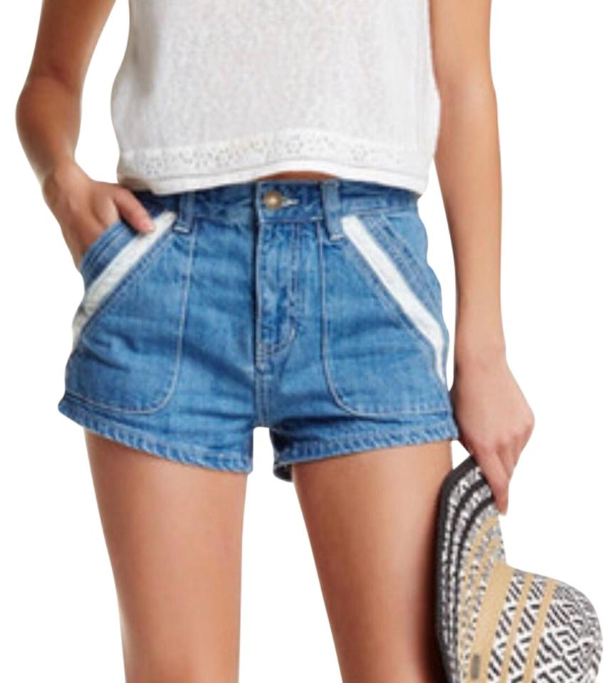 Free People Medium Wash Sweet Surrender Crochet Denim Shorts Size 29 ... 97ba8b43b78
