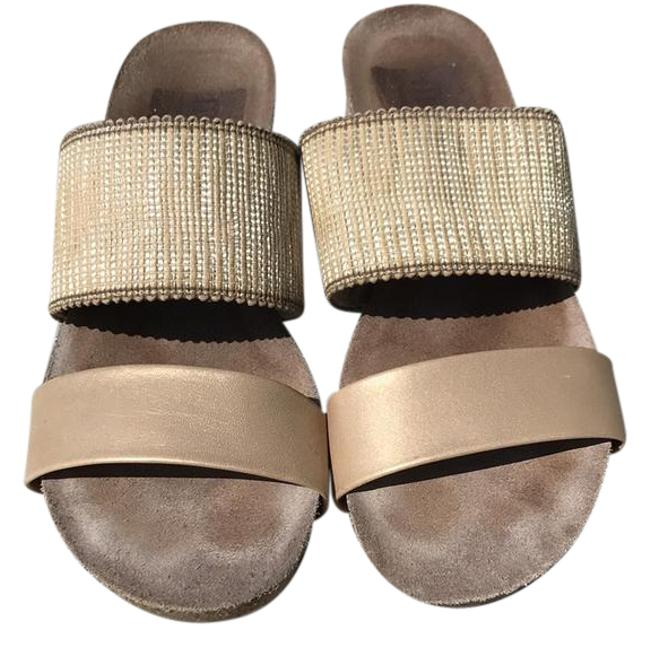 Munro American Gold Riviera Sandals Size US 9 Regular (M, B) Munro American Gold Riviera Sandals Size US 9 Regular (M, B) Image 1