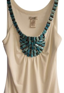 Cache Top White with turquoise colored beads
