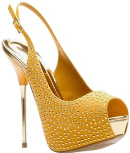 ShoeDazzle Wedding Stiletto Pump Slingback Mustard Platforms
