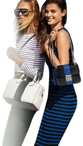 Michael Kors Mercer Duffle White/Black Center Stripe Studio Smooth Leather Satchel in Optic White / Black