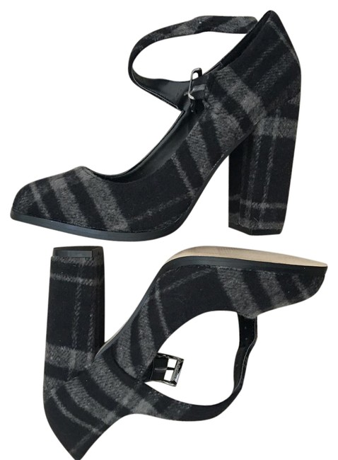 Item - Shoes.brand New with Tags. Very Cute and Preppy Platforms Size US 7 Regular (M, B)