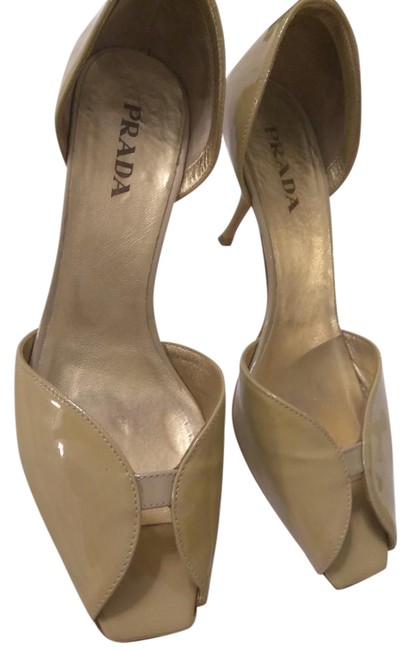 Item - Light Green Patent Leather with Moderate Heel Pumps Size EU 37.5 (Approx. US 7.5) Regular (M, B)