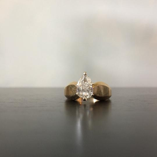 Gold Si1 Engagement Ring Image 1