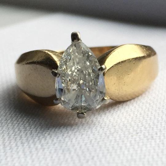 Gold Si1 Engagement Ring Image 10