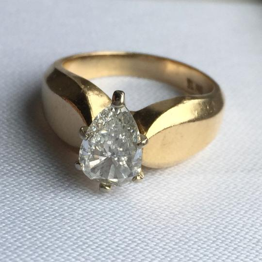 Gold Si1 Engagement Ring Image 3