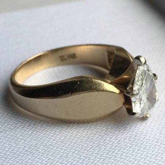Gold Si1 Engagement Ring Image 4