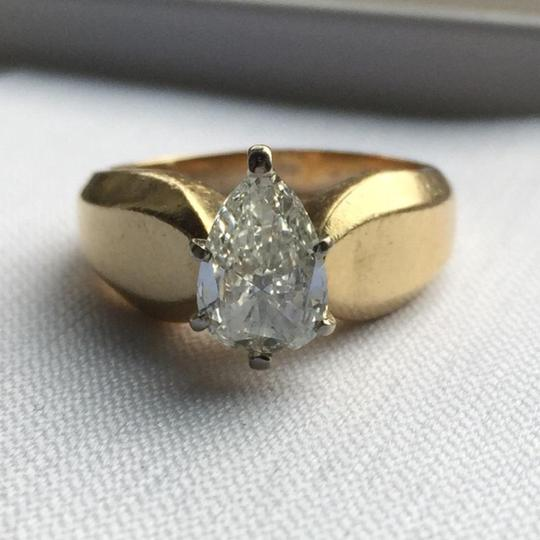 Gold Si1 Engagement Ring Image 6