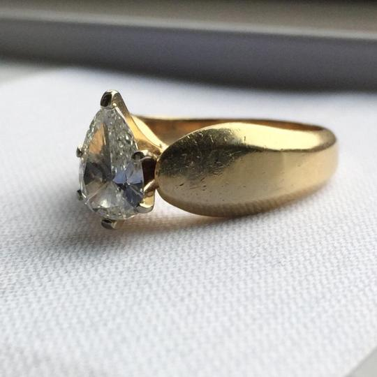 Gold Si1 Engagement Ring Image 9