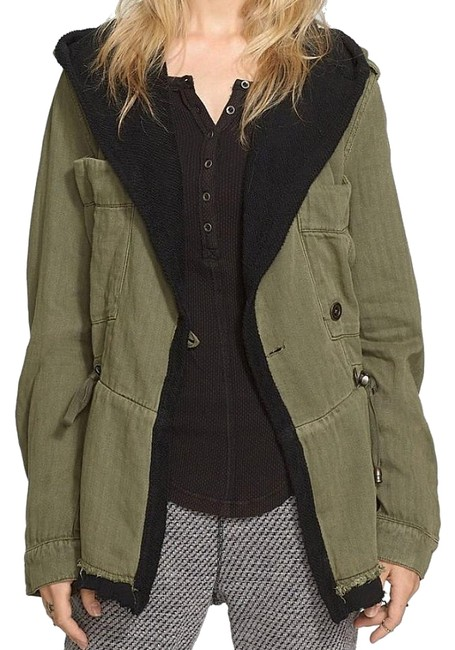 Preload https://img-static.tradesy.com/item/21832360/free-people-green-drawcord-waist-slouchy-jacket-size-6-s-0-11-650-650.jpg