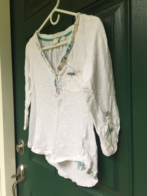 9-H15 StCl Henley Cotton Anthropologie T Shirt White with Blue Floral Detail Image 1