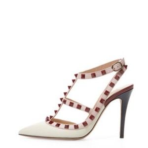 af0ebd1f76b3 Valentino Pumps on Sale - Up to 70% off at Tradesy