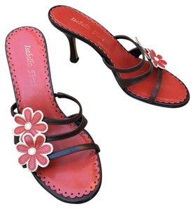 Isabella Fiore Brown & Red Sandals