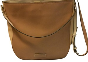 Marc by Marc Jacobs Satchel in Beige/Camel