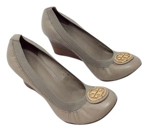 "Tory Burch Neutral Elastic Greyish Beige Taupe/Clay (""Dust Storm"") Wedges"