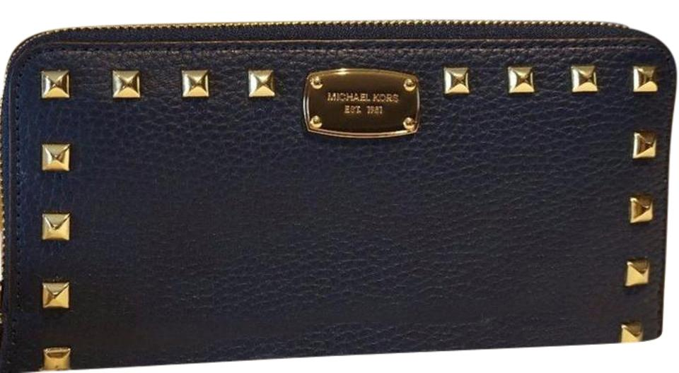 bdc229c2c29c Michael Kors Michael Kors Jet Set Travel studded leather Continental Wallet  NWT Image 0 ...
