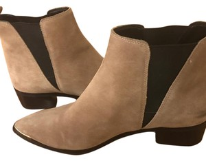 Marc Fisher brown/beige suede Boots