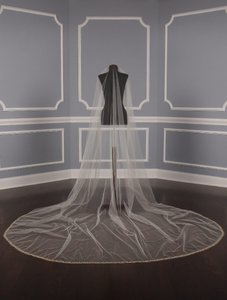 St. Pucchi Ivory and Gold Long M1567 Bridal Veil