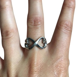 Tiffany & Co. Sterling silver Tiffany double heart infinity ring