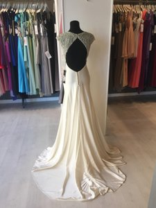 Justin Alexander Natural Luxe Charmeuse 9791 Modern Wedding Dress Size 6 (S)