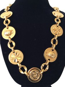 Chanel RARE VINTAGE CHANEL GOLD PLATED LARGE CHARM BELT / NECKLACE