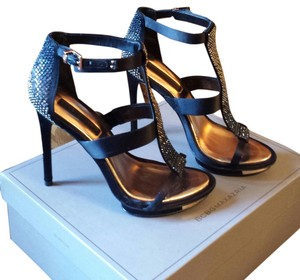 BCBGMAXAZRIA black satin Sandals