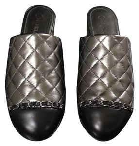 a341caf8045 Chanel Shoes - Up to 90% off at Tradesy