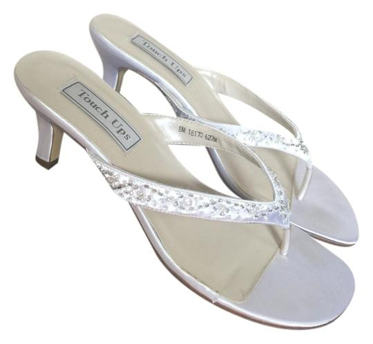 Benjamin Walk White Pumps